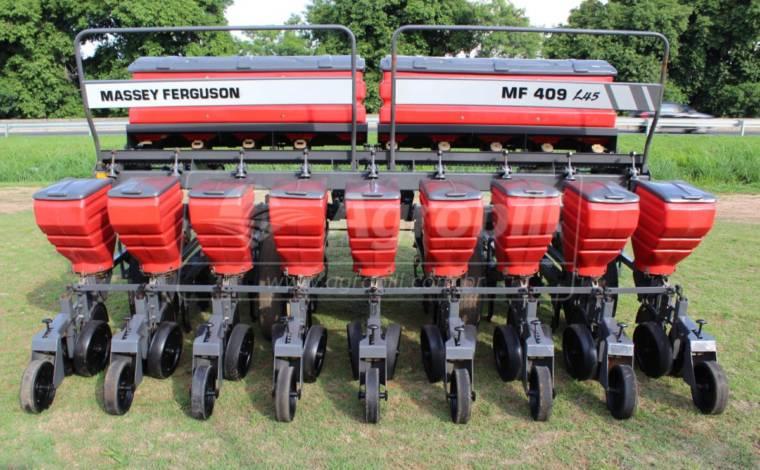 Plantadeira de Arrasto 9 Linhas MF Série 409 L45  – Massey Ferguson > Usada - Plantadeiras - Massey Ferguson - Agrobill - Tratores, Implementos Agrícolas, Pneus