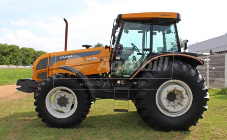 Trator Valtra BM 125i 4×4 GII ano 2014 - Tratores - Valtra - Agrobill - Tratores, Implementos Agrícolas, Pneus