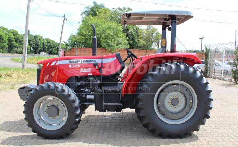 Trator Massey 4275 4×4 ano 2015 com 1551 horas (Revisado) - Tratores - Massey Ferguson - Agrobill - Tratores, Implementos Agrícolas, Pneus