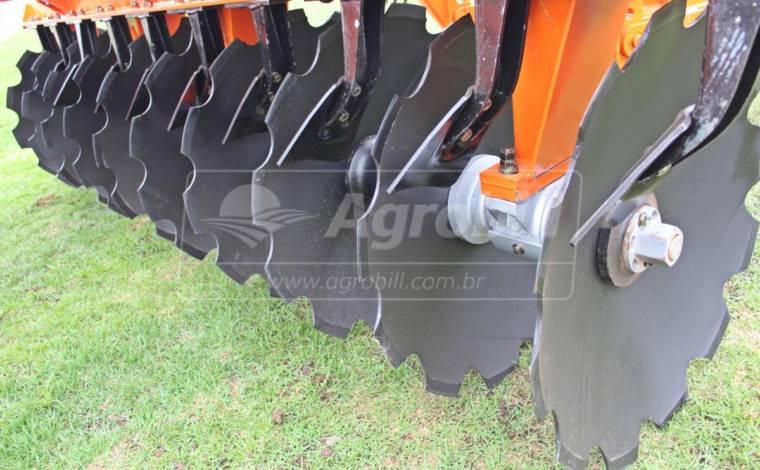 Grade Aradora Pesada GVMF 20 x 34″ x 9 x 360 mm / com Pneus / Controle Remoto – Civemasa > Novo - Grades Aradoras - Civemasa - Agrobill - Tratores, Implementos Agrícolas, Pneus