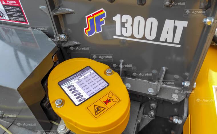 Colhedora De Forragens JF 1300 AT / com Kit Processador de Grãos +PRO  > Nova - Colhedora de Forragens / Forrageira - JF - Agrobill - Tratores, Implementos Agrícolas, Pneus