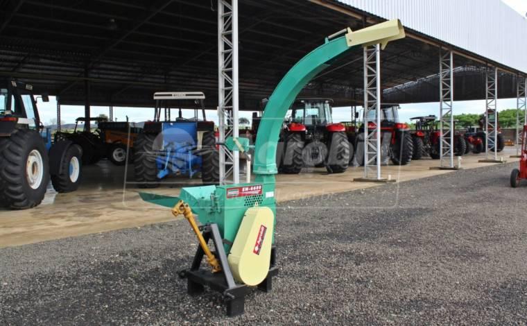 Ensiladeira EN-6600 – Nogueira > Usada - Ensiladeira - Nogueira - Agrobill - Tratores, Implementos Agrícolas, Pneus