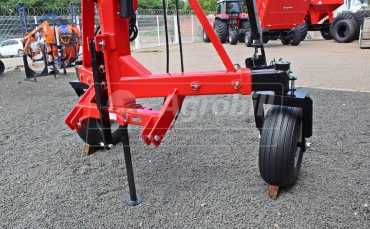 Guincho p/ Big Bag 2.000 kg / com Lança Hidráulica / com Válvula Direcional – São José > Novo - Guincho Agrícola - São José - Agrobill - Tratores, Implementos Agrícolas, Pneus