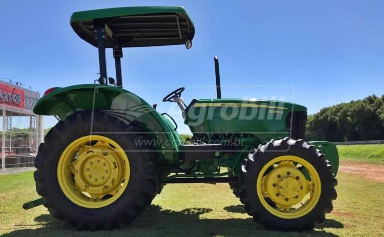 John Deere 5055 E 4×4 ano 2014 - Tratores - John Deere - Agrobill - Tratores, Implementos Agrícolas, Pneus