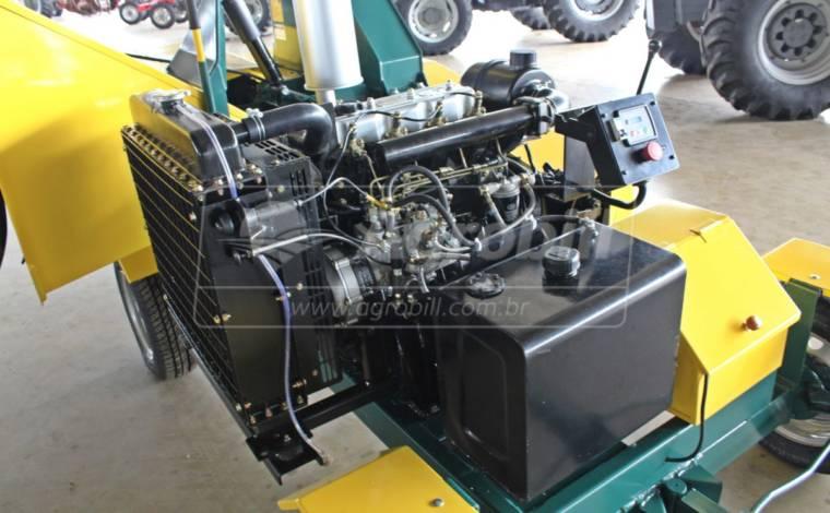 Triturador de Galhos TP-400 / Rodeiro à Diesel – Pinheiro > Novo - Triturador / Triturador de Galhos - Pinheiro - Agrobill - Tratores, Implementos Agrícolas, Pneus
