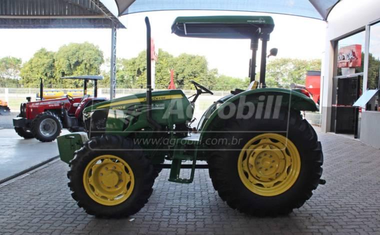 John Deere 5070 E 4×4 Ano 2019 com 105 horas semi novo. - Tratores - John Deere - Agrobill - Tratores, Implementos Agrícolas, Pneus