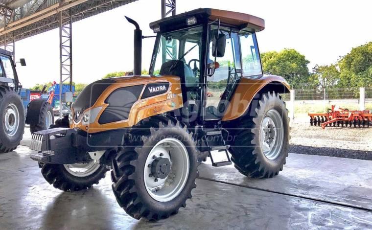Trator Valtra A 950 4×4 Cabinado ano 2018 c/ Redutor de Velocidade (Creeper) - Tratores - Valtra - Agrobill - Tratores, Implementos Agrícolas, Pneus