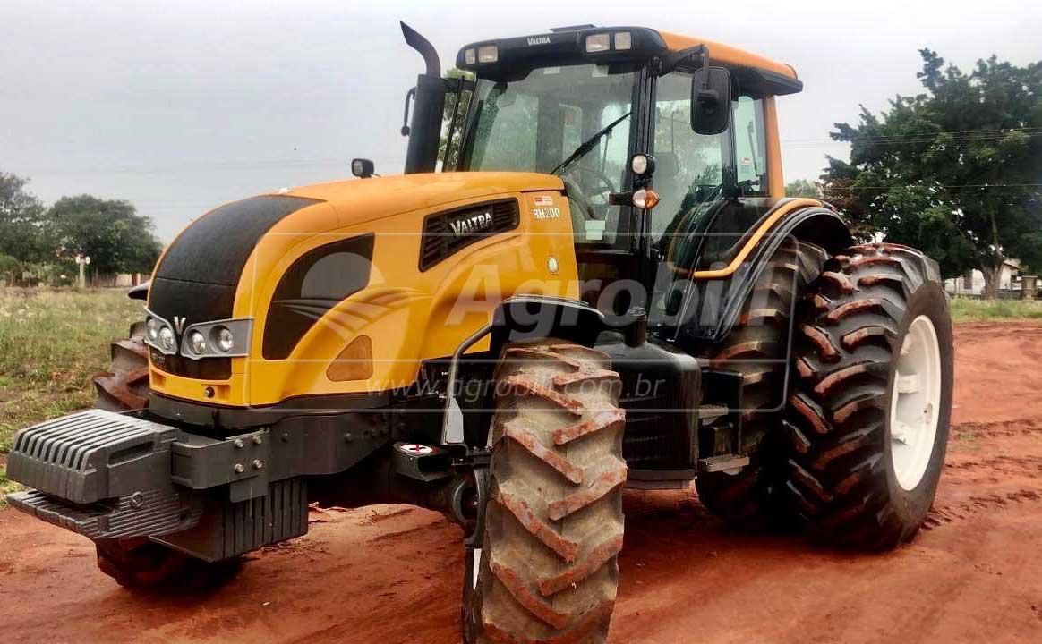 Trator VALTRA BH 200 G4 4×4 ano 2015 Semi novo com 1131 horas Trator de lavoura de Grãos - Tratores - Valtra - Agrobill - Tratores, Implementos Agrícolas, Pneus