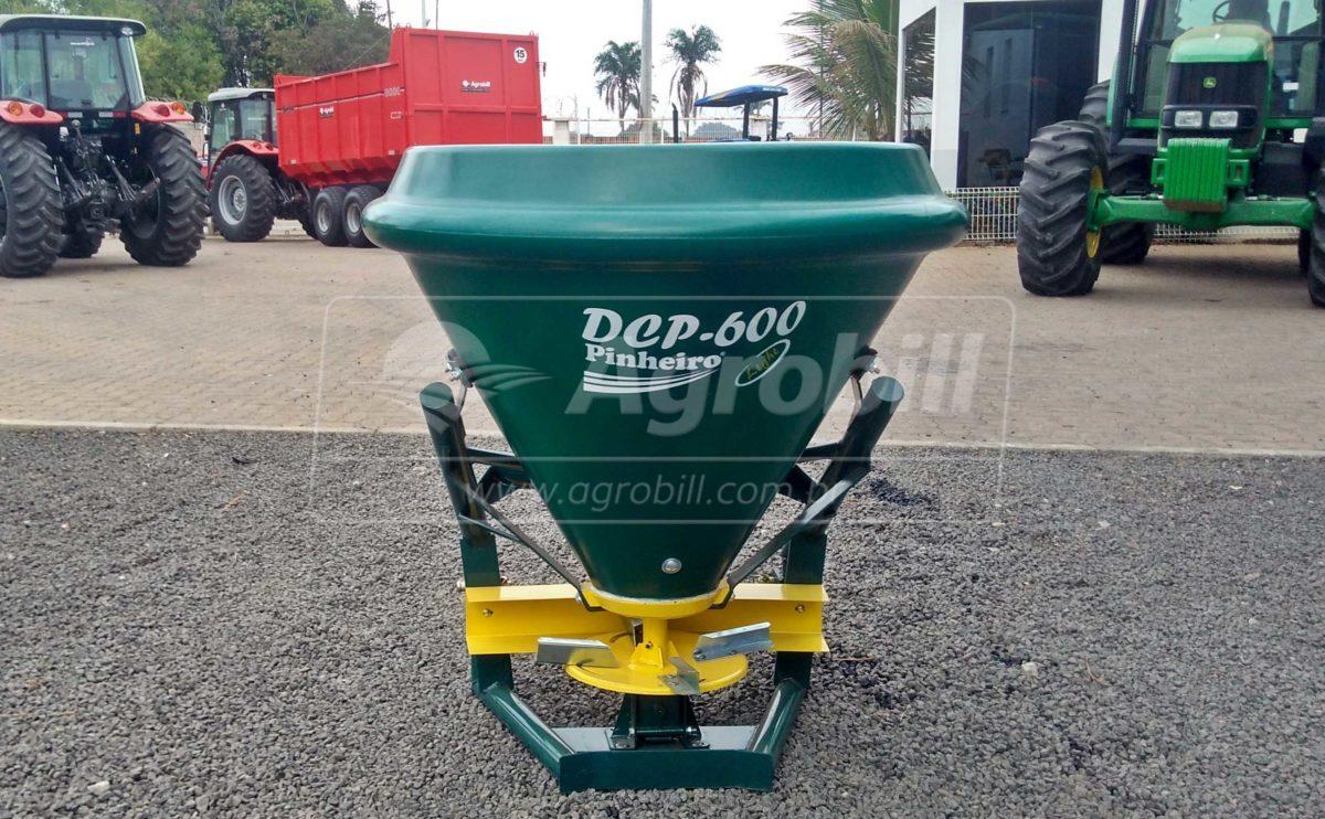 Distribuidor de Calcário DCP 600  – Pinheiro > Novo - Distribuidor de Calcário - Pinheiro - Agrobill - Tratores, Implementos Agrícolas, Pneus