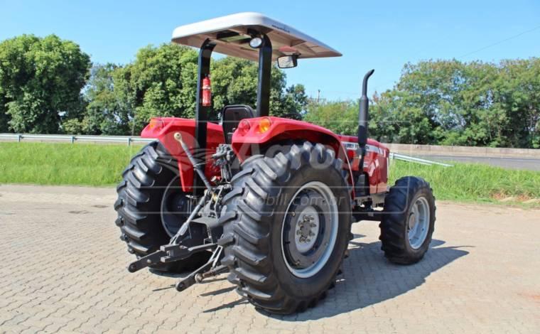 Trator Massey 4275 4×4 ano 2014 com tração central com 1931 horas - Tratores - Massey Ferguson - Agrobill - Tratores, Implementos Agrícolas, Pneus