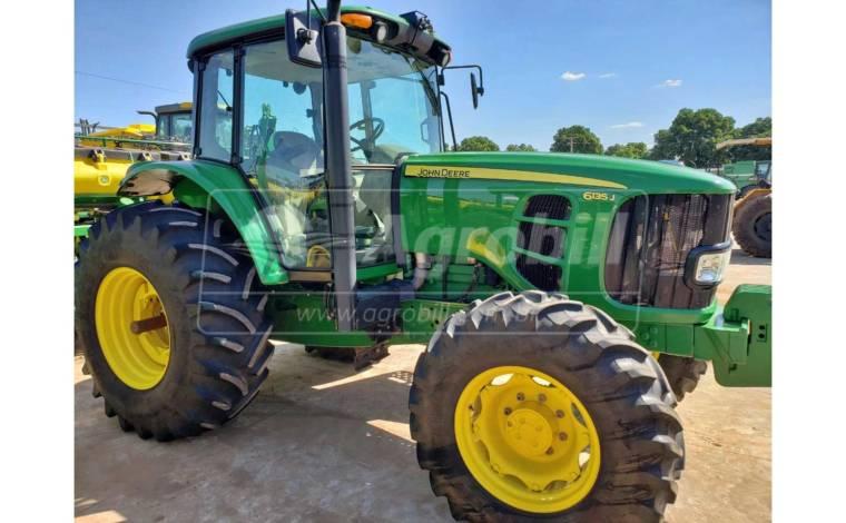 Trator John Deere 6135 J ano 2019 com 749 horas semi novo - Tratores - John Deere - Agrobill - Tratores, Implementos Agrícolas, Pneus