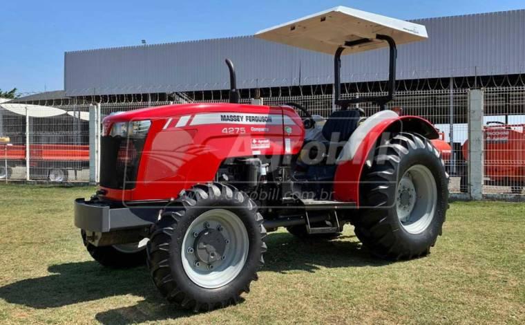 Trator Massey 4275 4×4 ano 2018 Compacto c/ Redutor de Velocidade c/ 963 horas semi novo - Tratores - Massey Ferguson - Agrobill - Tratores, Implementos Agrícolas, Pneus