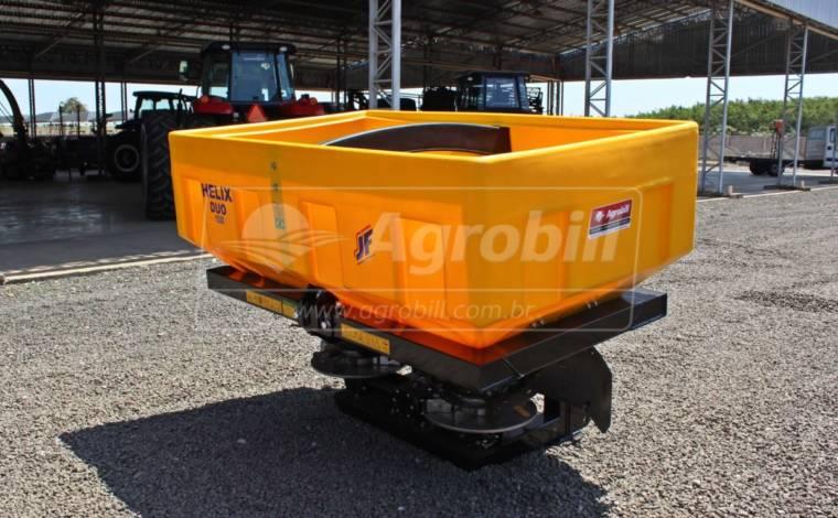 Distribuidor Semeador de Calcário e Fertilizantes JF HELIX Duo 1500 – Novo - Distribuidor de Calcário - JF - Agrobill - Tratores, Implementos Agrícolas, Pneus