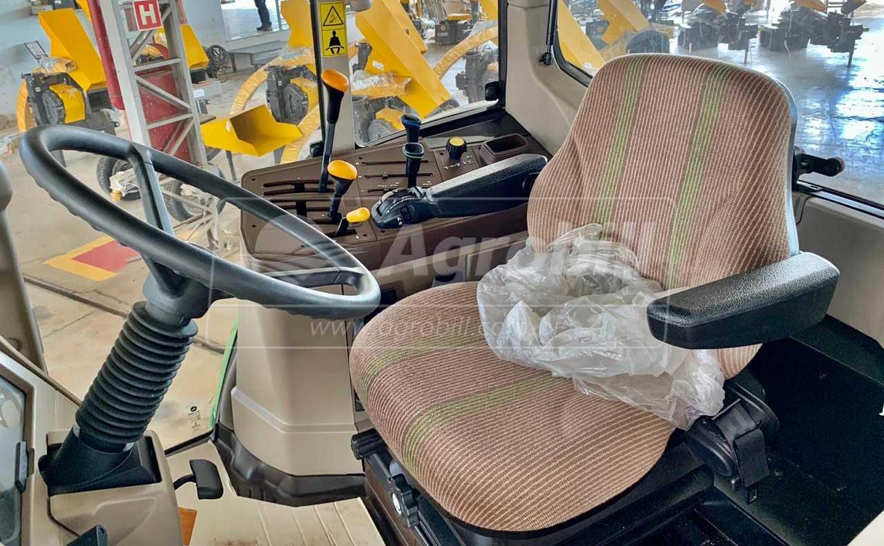 John Deere 6125 J ano 2020 Novinho - Tratores - John Deere - Agrobill - Tratores, Implementos Agrícolas, Pneus