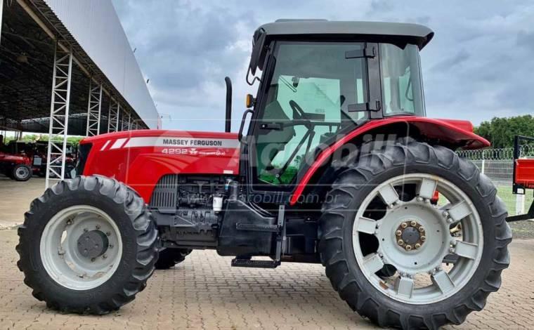 Trator MF 4292 4×4 ano 2012 cabinado original - Tratores - Massey Ferguson - Agrobill - Tratores, Implementos Agrícolas, Pneus