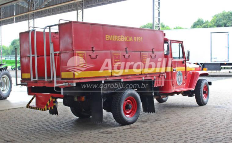 Caminhonete Toyota Bandeirante Diesel 4×4 ano 1999 > Usado - Caminhões - Toyota - Agrobill - Tratores, Implementos Agrícolas, Pneus
