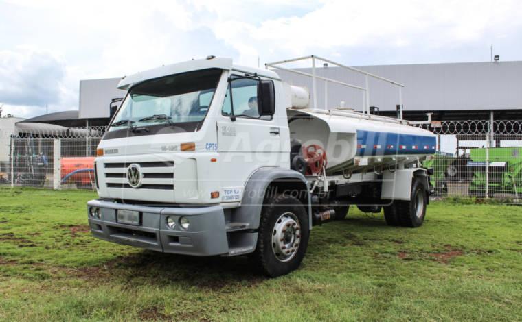 Caminhão 15-180 E 4×2 Worker ano 2009 / Equipado com Tanque Pipa – Volkswagen > Usado - Caminhões - Volkswagem - Agrobill - Tratores, Implementos Agrícolas, Pneus