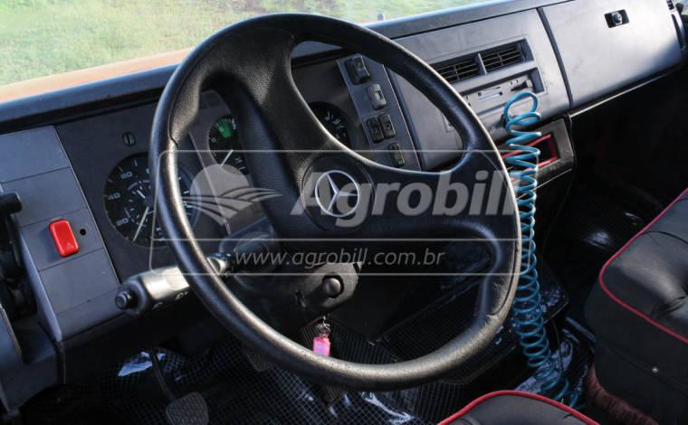 Usado Bau para transporte de Cavalos - Baú - Mercedes-Benz - Agrobill - Tratores, Implementos Agrícolas, Pneus