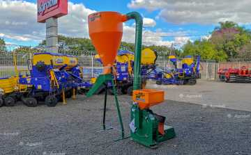 Triturador de Milho TIN 2 / com Ciclone / Kit Calha – Incomagri > Novo - Moinho - Incomagri - Agrobill - Tratores, Implementos Agrícolas, Pneus