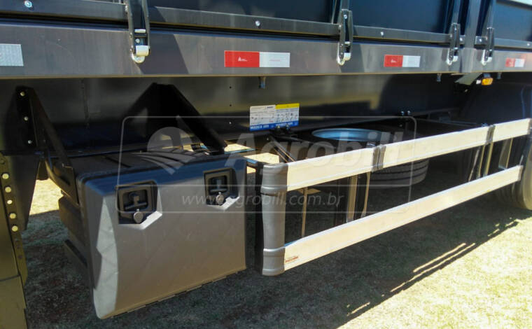 Carreta Graneleira 12.5 metros cor Preta s/ pneus FACCHINI – 0Km – A PRONTA ENTREGA ! - Graneleiro - Facchini - Agrobill - Tratores, Implementos Agrícolas, Pneus
