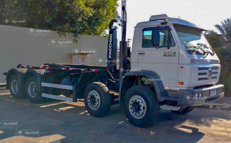 Caminhão Roll On Roll Off Facchini – Volkswagem 26-260 E Worker 8×4 Ano 2010 - Caminhões - Volkswagem - Agrobill - Tratores, Implementos Agrícolas, Pneus