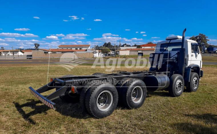 Caminhão Volkswagem 26-260 E Worker 8X4 Ano 2010 > Usado - Caminhões - Volkswagem - Agrobill - Tratores, Implementos Agrícolas, Pneus