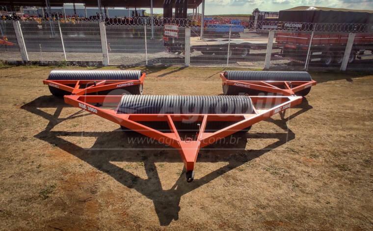 Rolo Destorroador Compactador RDC 3900 / 9 m em 3 seções – Agrimec > Novo - Rolos Destorroador / Rolos Faca - Agrimec - Agrobill - Tratores, Implementos Agrícolas, Pneus