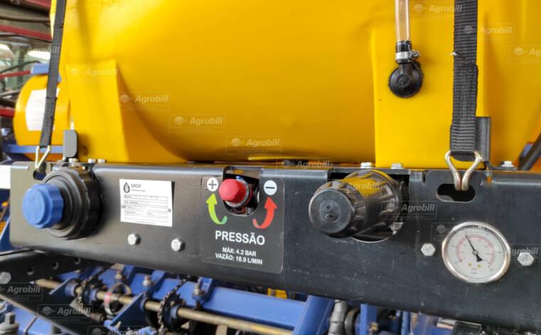 Aplicador Inoculante p/ Plantadeiras 320 L Elétrico / com Duas Bombas – Drop > Novo - Plantadeiras - Drop - Agrobill - Tratores, Implementos Agrícolas, Pneus