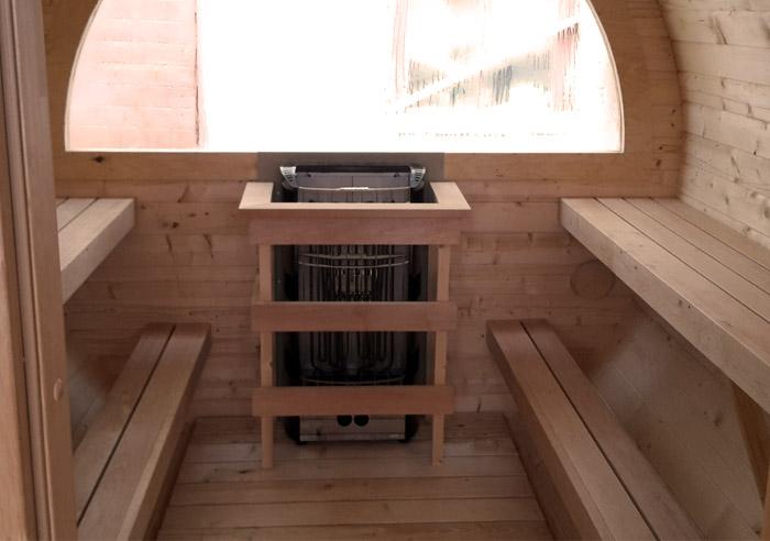 sauna-exterieur-baie-vitree-tonneau-agrobois