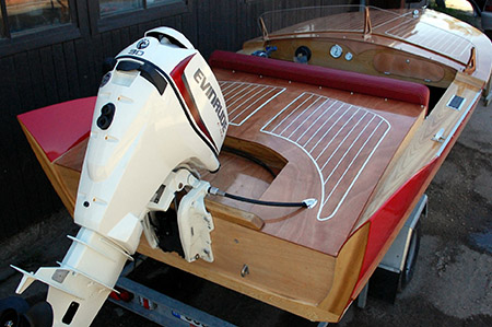 barque-bois-modele-cobra-moteur