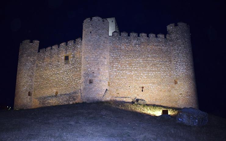 El Castillo de Embid Guadalajara ya luce por la noche  AgroCLM