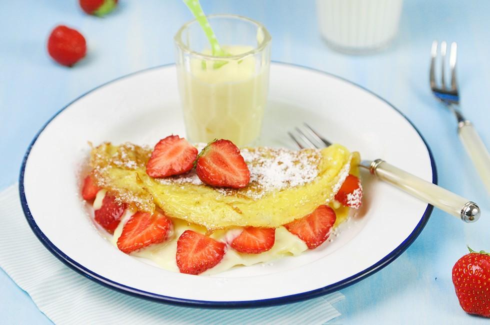 Ricetta Omelette dolci con crema e fragole  Agrodolce