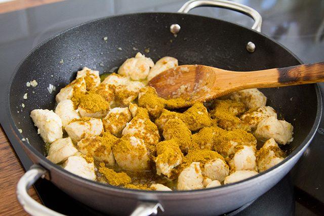 Pollo al curry-la-verduras-con-4-