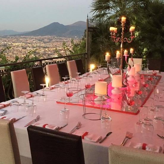 Napoli 9 ristoranti per mangiare allaperto e godersi lestate  Agrodolce