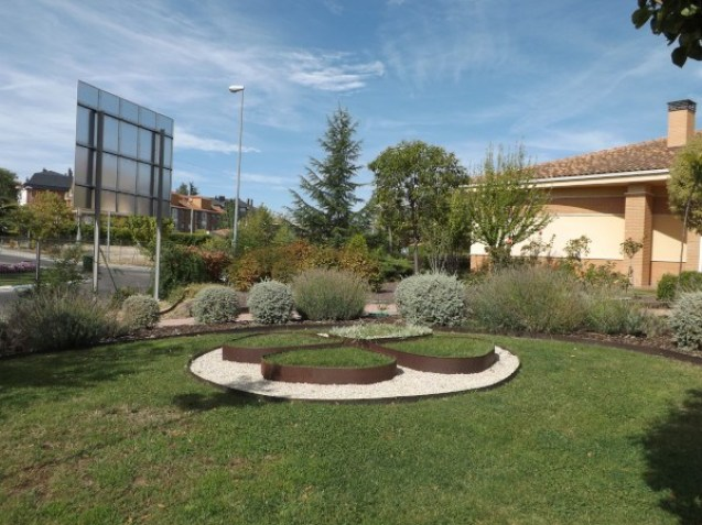 Jardín de la Fundación Trébol creado y mantenido por los alumnos