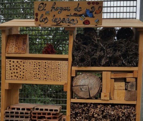 Casa para criar insectos beneficiosos
