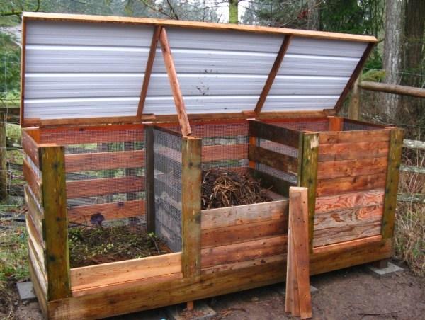 compostadora de madera con tapa
