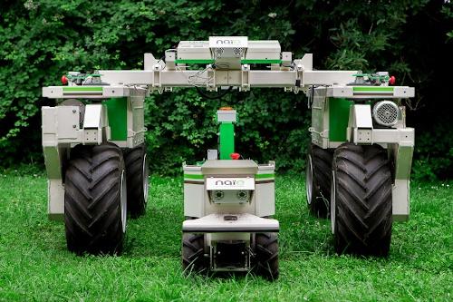 Robots agrícolas Oz y Ted