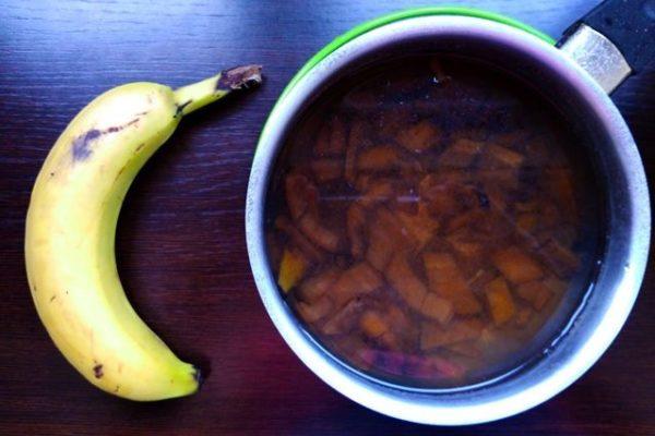 abono líquido con plátano