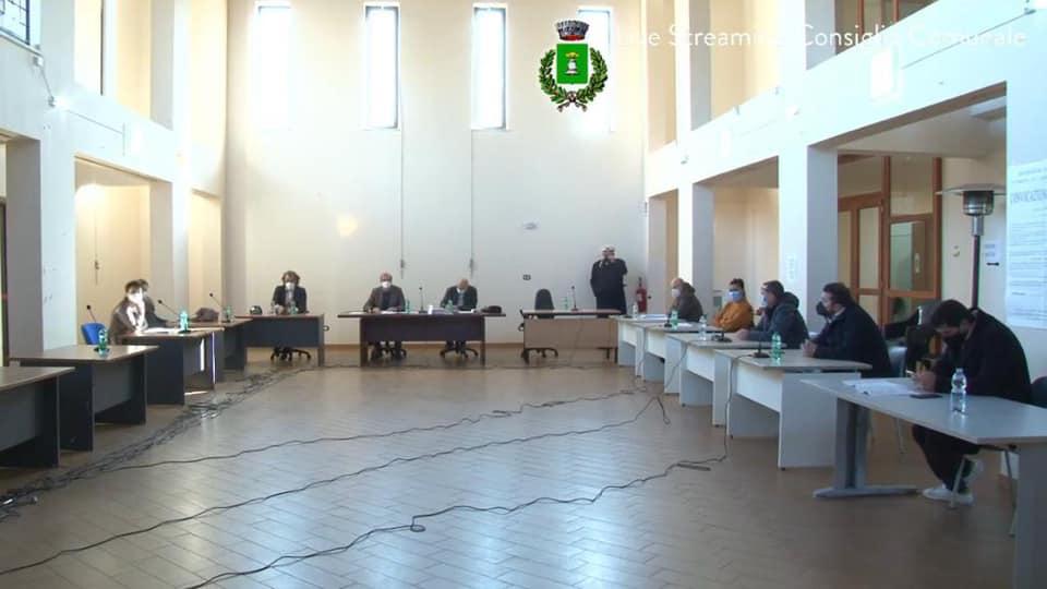 Camposano: caos in consiglio comunale. Seduta rinviata.