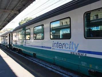 treno-intercity-stazione_salerno