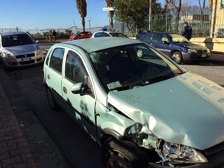 incidente_lungomare_auto_danneggiata