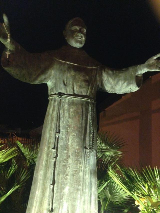 PADRE GIACOMO STATUA 3