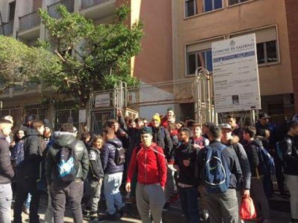 studenti-nautico-salerno-protesta_2