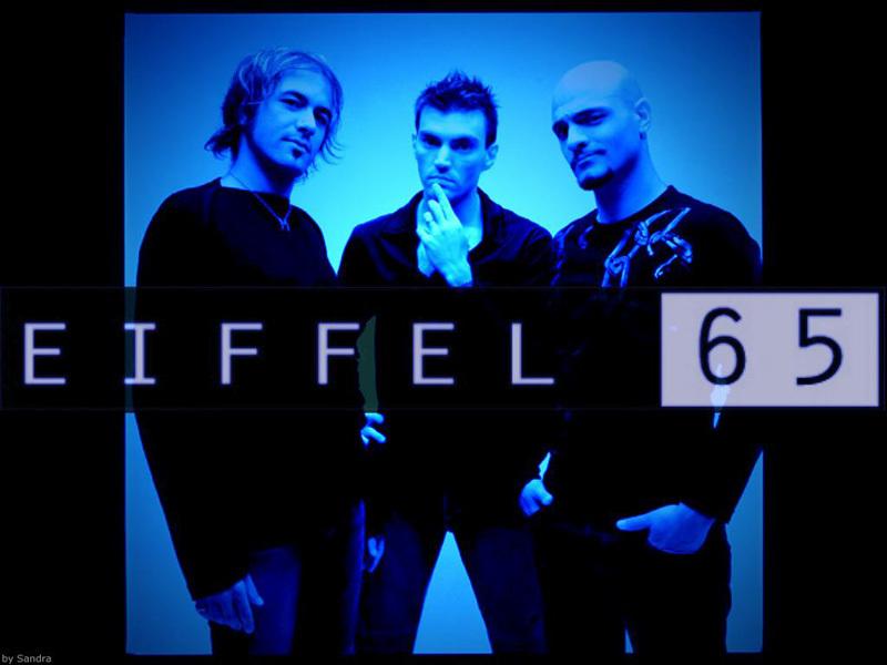 wall-eiffel-65-8129407-800-600