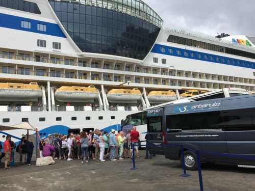 nave-crociera-turisti-1
