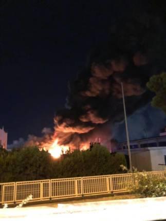 incendio fabbrica 1