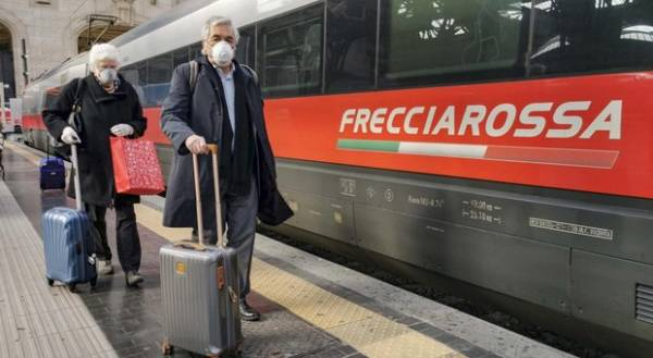 Passengers walk inside  Central Railway Station in Milan, Italy, 08 March 2020. The Italian authorities have taken the drastic measure of shutting off the entire northern Italian region of Lombardy – home to about 16 million people – in a bid to halt the ongoing coronavirus epidemic in the Mediterranean country. The number of confirmed cases of the COVID-19 disease caused by the SARS-CoV-2 coronavirus in Italy has jumped up to at least 5,883, while the death toll has surpassed 230, making Italy the nation with the third-highest number of infections (behind China and South Korea) and the second-highest death toll after China. ANSA/Andrea Fasani
