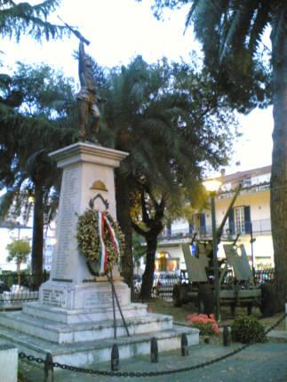 Agropoli_-_Monumento_ai_Caduti