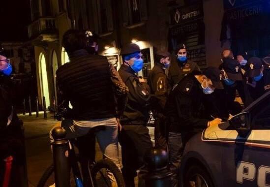controlli-covid-mascherine-polizia-carabinieri-2